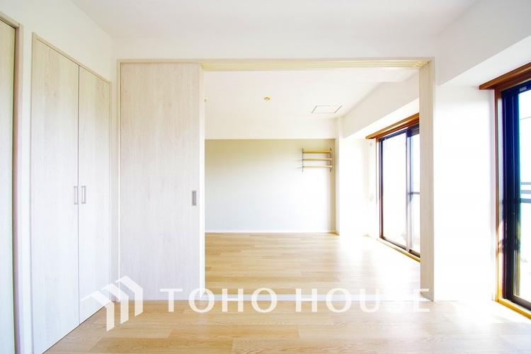 お部屋の扉を開ければより開放的な空間に
