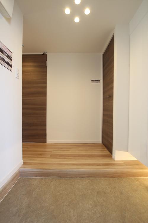 大切なお客様も誇りをもって迎えられる上質な空気が満ちる玄関