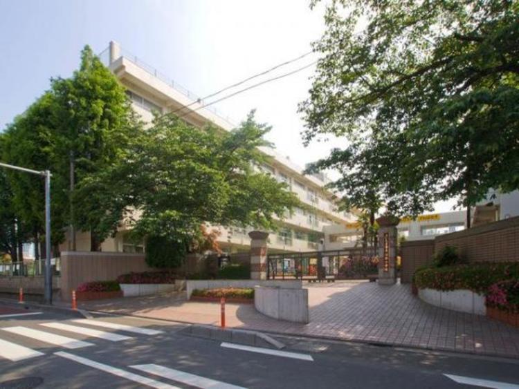 さいたま市立沼影小学校 225m