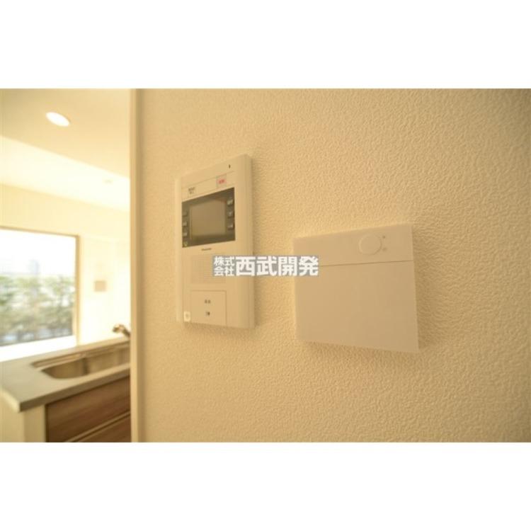 カラーモニター付インターフォン・床暖房付