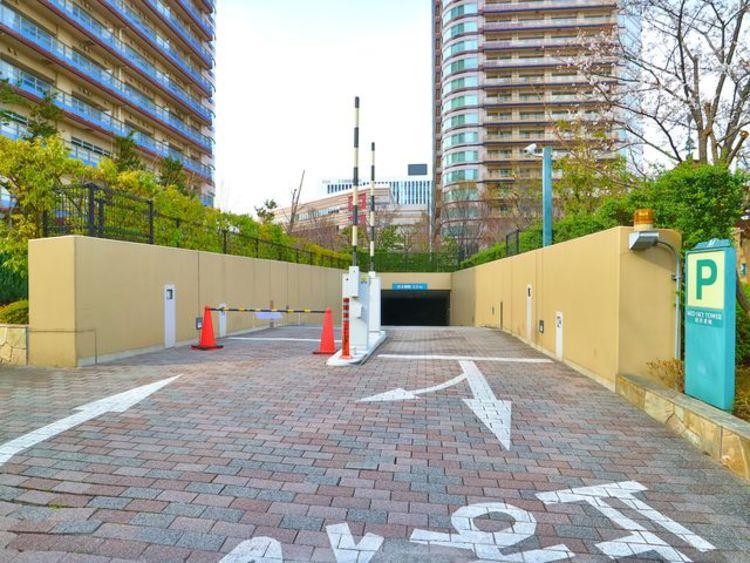 地下駐車場は486台完備。(タワー式220台、横行昇降式259台、平面式7台)