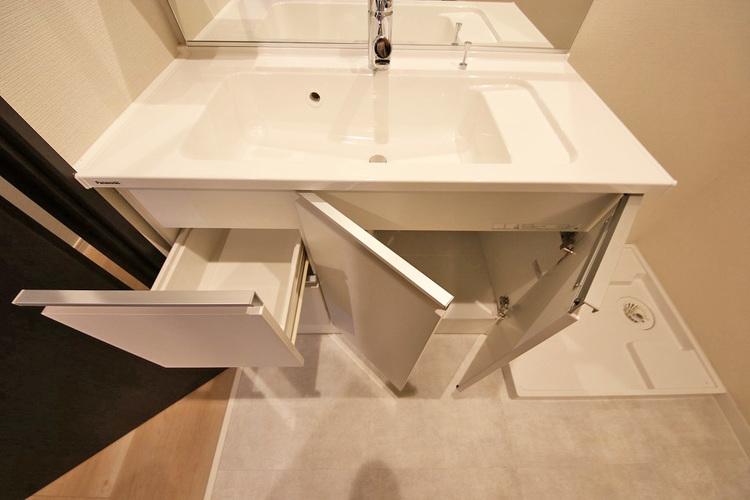 洗面室収納スペース