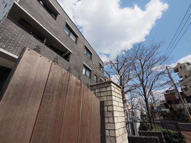 マンションを選んだ理由トップ3は「防犯性」「最寄駅からの距離」「管理」で、住宅の性能や立地による項目。