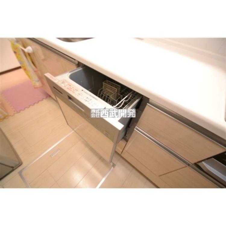 食器洗浄機を標準搭載!洗い物は毎日のこと、あれば何かと便利な設備です!