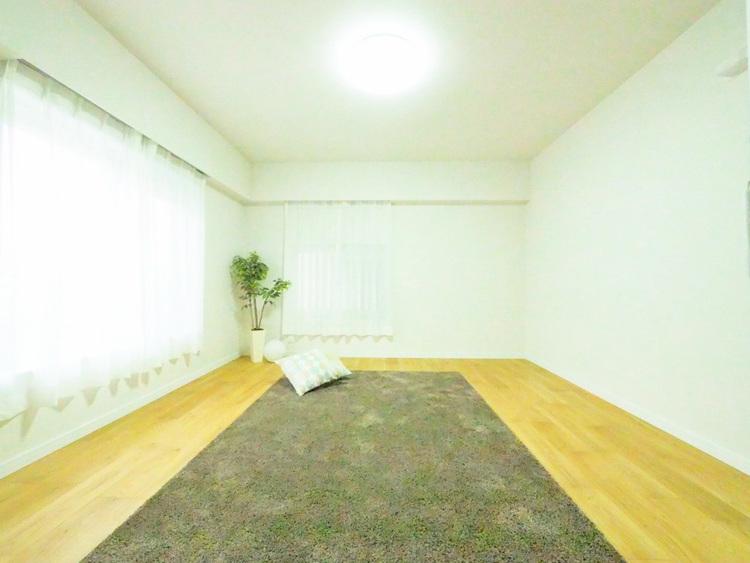 広々約8.5帖のお部屋は、インテリアを考える楽しみもありますね