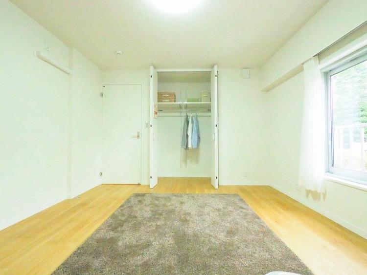 洋室約8.5帖収納スペース