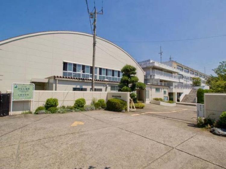 さいたま市立七里中学校 1400m
