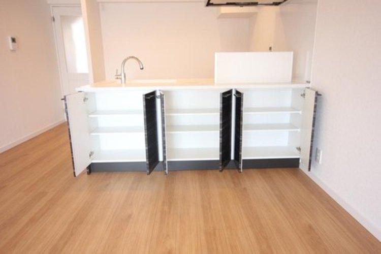 賢い収納スペースが設けられております。
