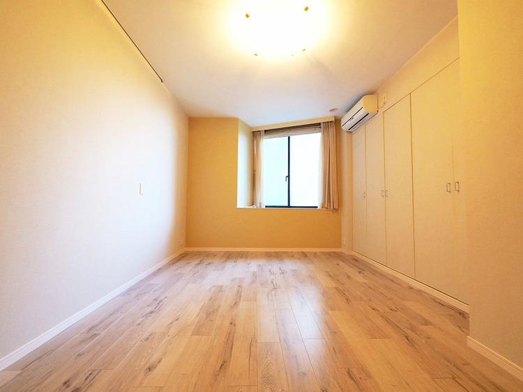 広々約8.0帖のお部屋は採光もあり気持ちが良いです