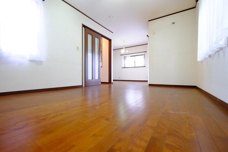 コンパクトな部屋でも、工夫次第で広く暮らすことは可能。基本のセオリーを押さえたら、間取りや好みに合ったアイテムをプラスすればOKだ