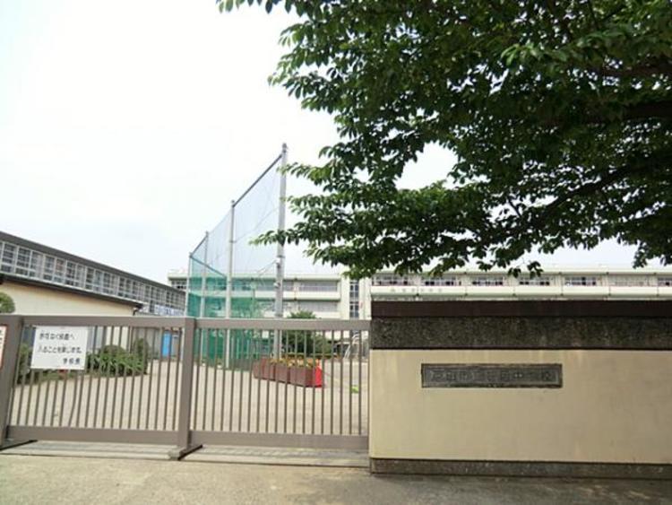 戸田市立笹目中学校 160m