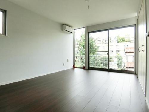 デザイナーズ住宅 全室エアコン完備 開放感のあるペニンシュラキッチンの物件画像