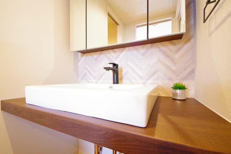 デザイン性のある洗面スペースで朝の身支度を○