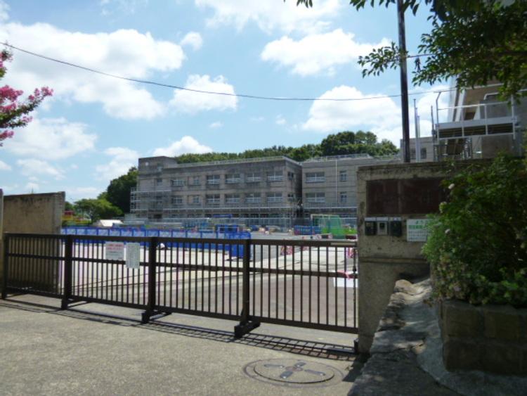 横浜市立荏田東第一小学校 距離450m