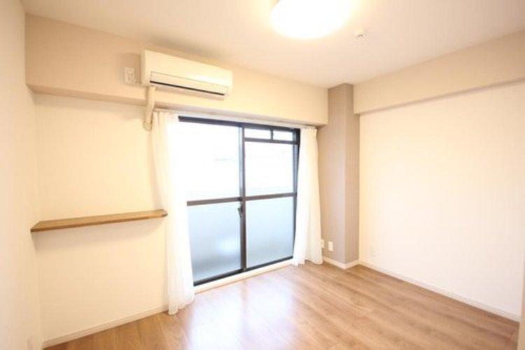 うららかな陽射しがどのお部屋にも降り注ぎますように、快適さを追求した間取設計。得難い立地環境での生活を恵みの豊かな永住の地へと変えてくれます。 ≫