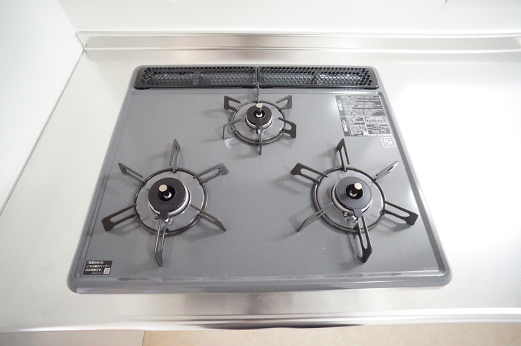 三口コンロは同時調理に重宝します
