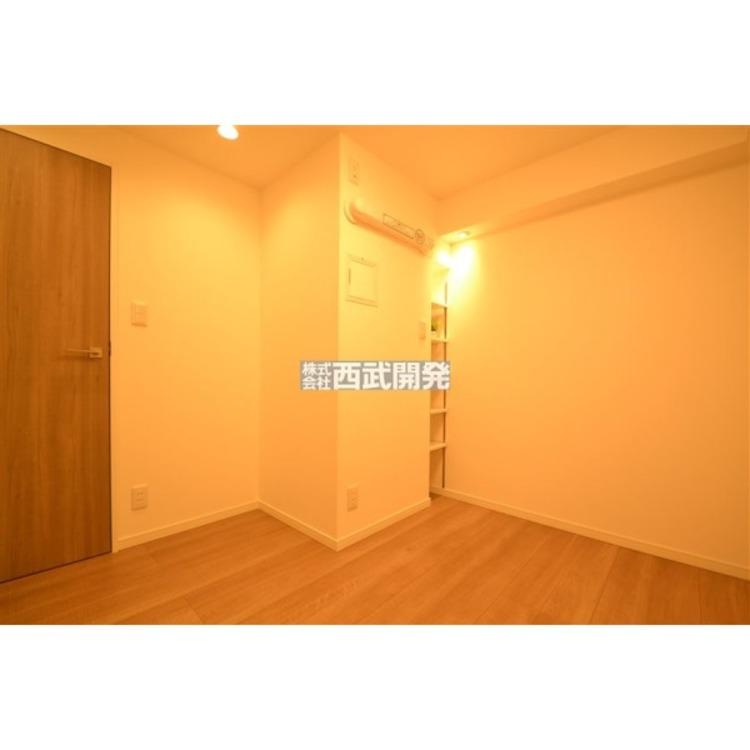 落着いた色合いの寝室なので、お部屋でゆっくりと過しやすい広さと雰囲気に仕上がっています。