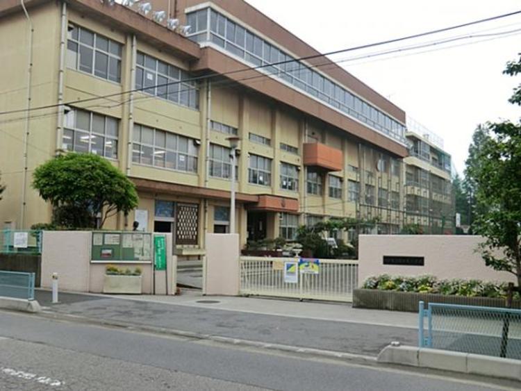川口市立朝日東小学校 460m