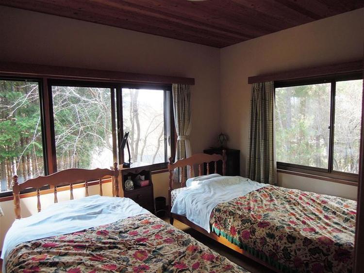 洋室約6.6帖寝室としていかがでしょうか。2008年天井以外全てリニューアル