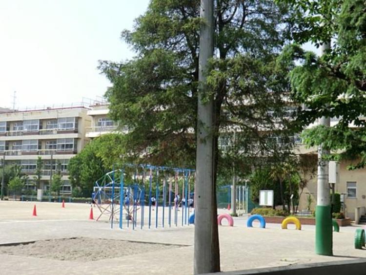川口市立青木中央小学校 1340m