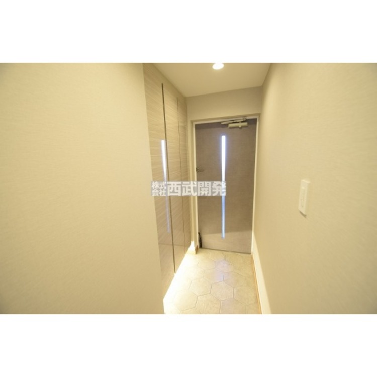 【玄関】広々玄関は第一印象グッド!ゆとりのある空間は心も豊かにしてくれます。