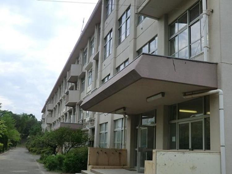 松が谷中学校 1031m