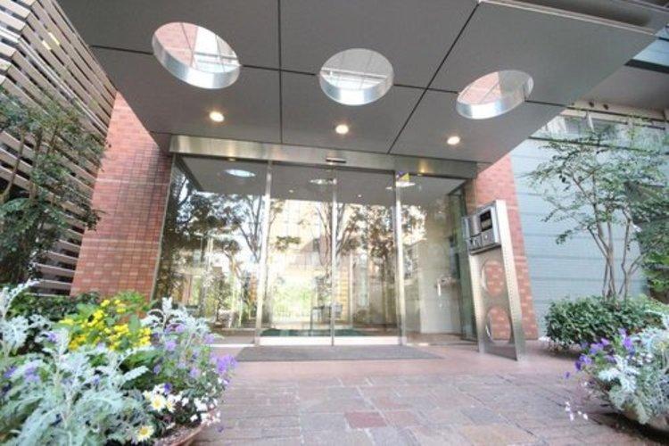 パークコート恵比寿ヒルトップレジデンストランクルーム使用権付き。駅近・商業施設資金・緑あふれるマンション周辺。ぜひご内覧にお越しくださいませ。