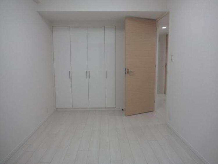 ●各居室収納付きで増えていく荷物もスッキリしまえます!
