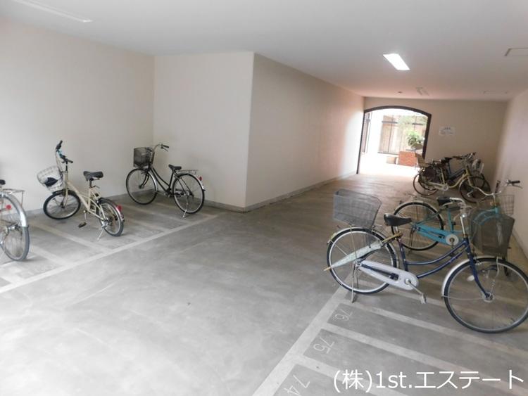 駐輪場 バイク置場もあり
