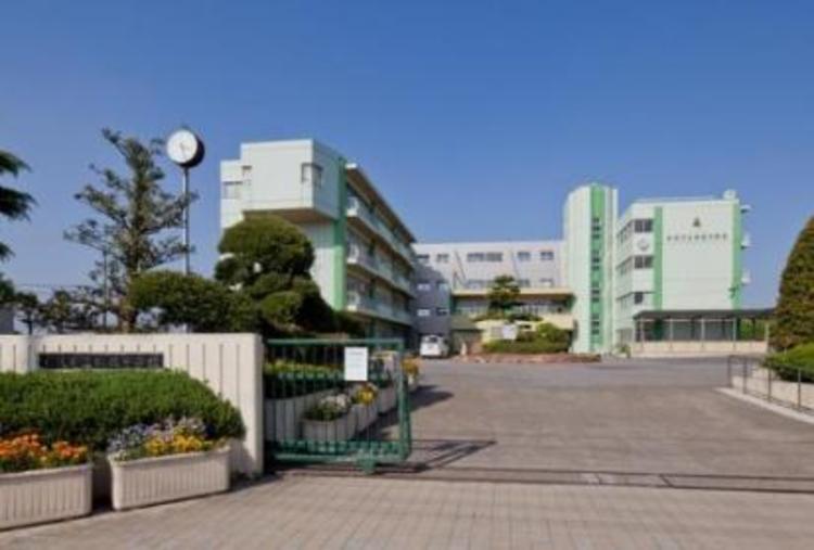 松伏町立松伏中学校1880m