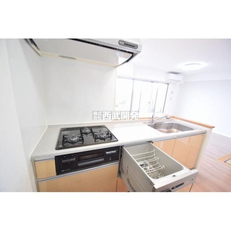 【キッチン】作業スペースのあるキッチンなので大勢のお料理も作業がしやすいです。