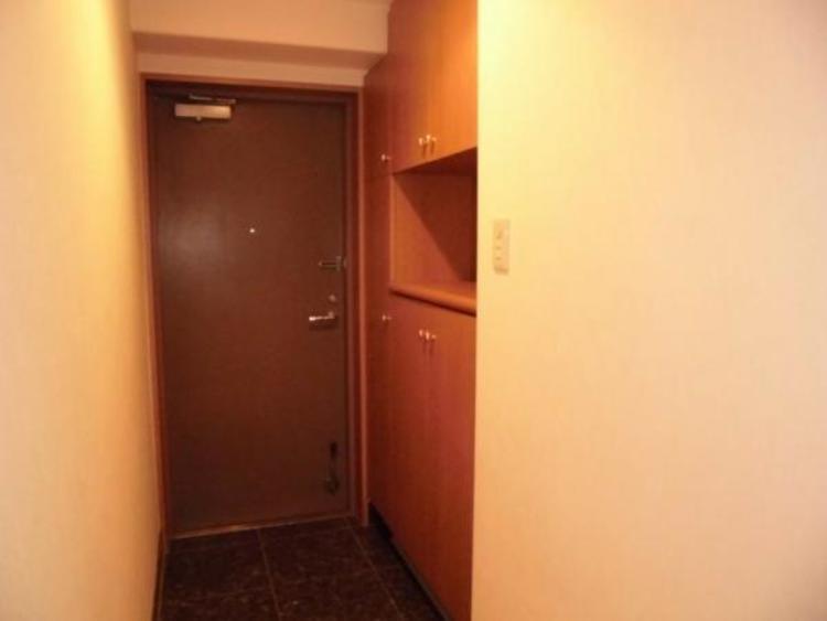 ●散らかりがちな玄関もスッキリ片付くシューズボックス付きです!
