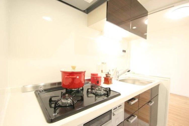 リビングとキッチンが分かれてますので、スッキリした空間が生まれます。