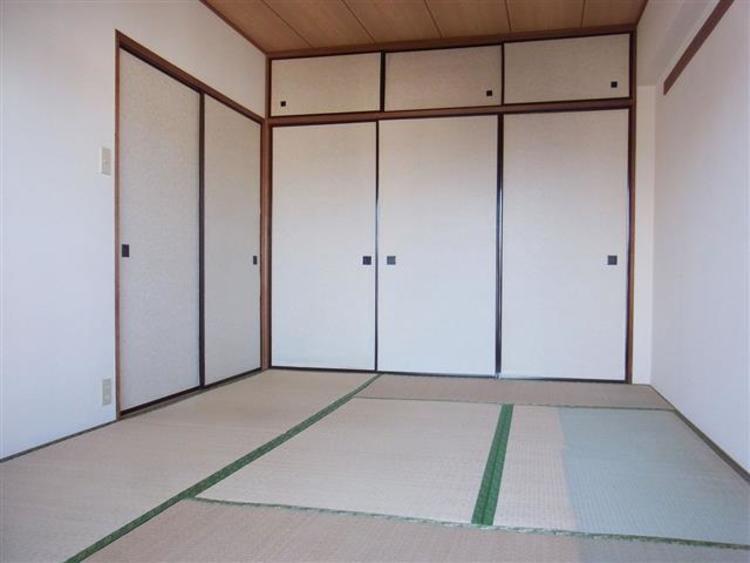 和室は6.7帖になります。陽当たり良好の空間です。