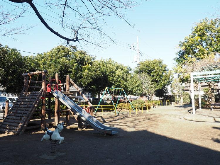 宮下公園 距離272m