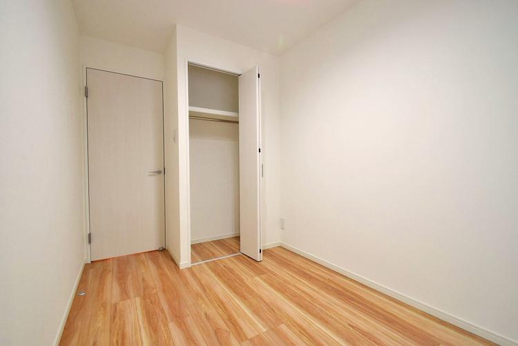 洋室約4.1帖 収納スペースあり