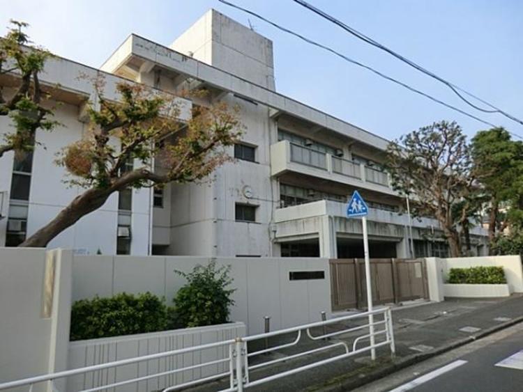 横浜市立岩崎小学校1900m