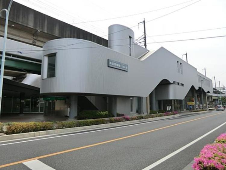 埼玉新都市交通伊奈線鉄道博物館駅 640m