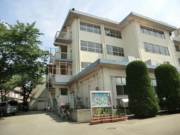 松戸市立松ヶ丘小学校650m
