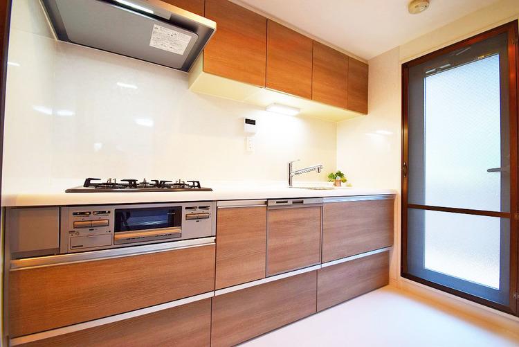 バルコニーに面したキッチンは生ごみの処理などにも困りません