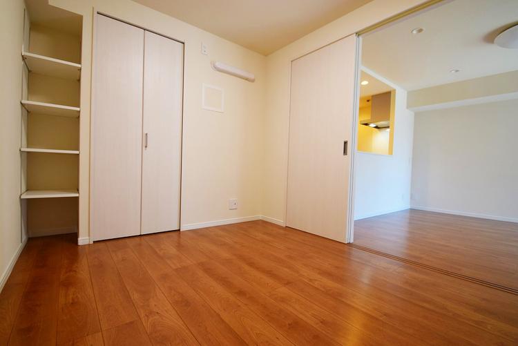 お部屋の扉を開ければより開放感のある空間に