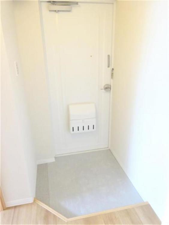 すっきりとした玄関スペース。