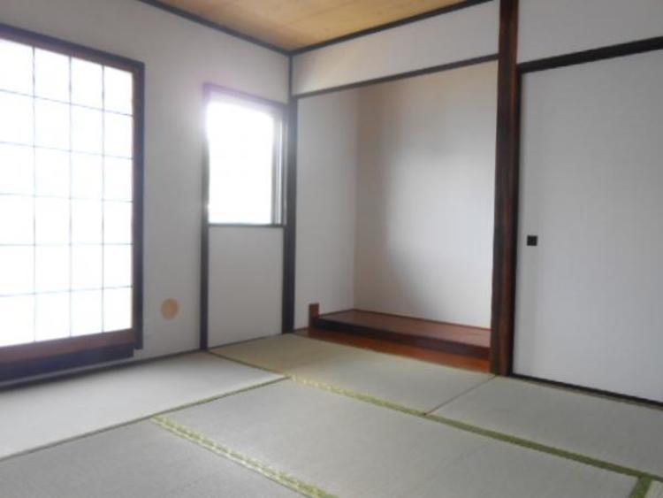 9.3帖の和室。広々な和空間は癒されますね。