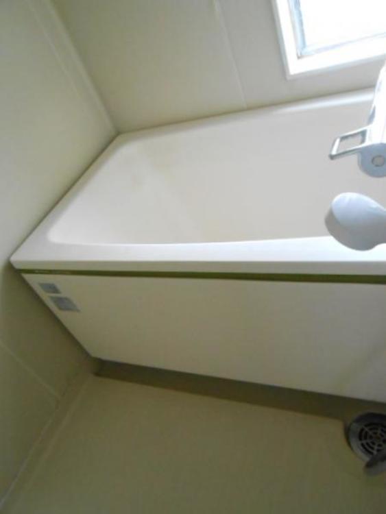 窓があり換気対策も安心の浴室。