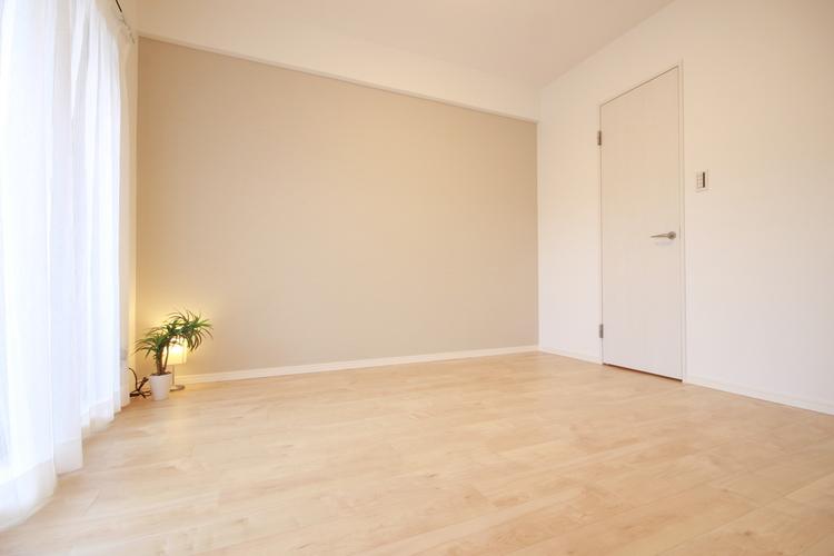 洋室3は、バルコニーに面しているため光もしっかりと感じられる憩いの住空間