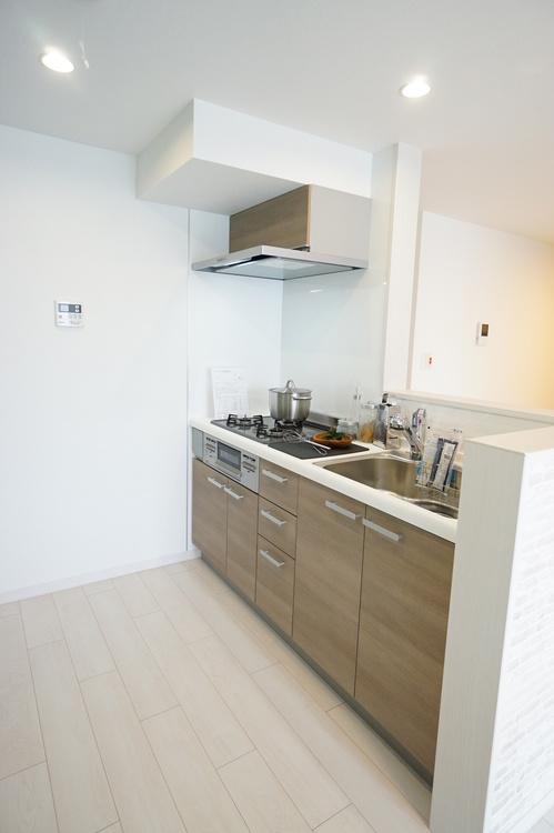 システムキッチンもお部屋との統一感バッチリです。