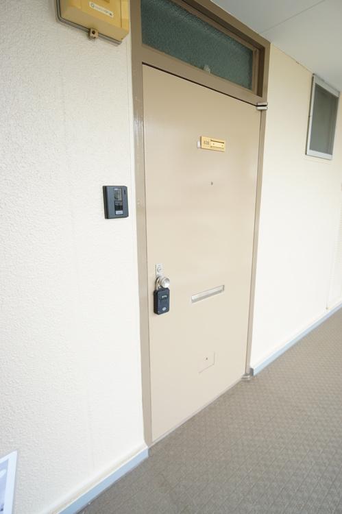 外側の玄関です。
