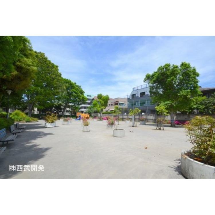 下赤塚公園(約150m)