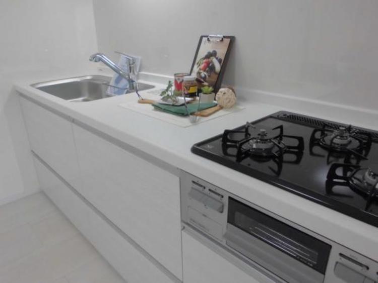 ●作業スペースも広く毎日のお料理が楽しくなりますね!