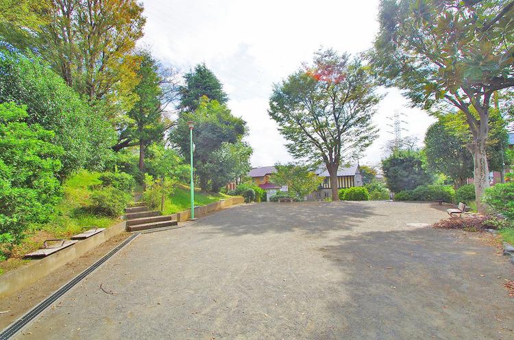 津田山公園 距離350m
